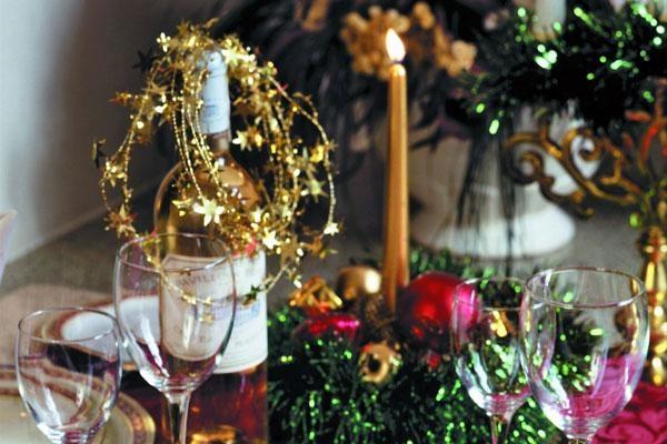 Кризис не помешает россиянам провести новогодние каникулы дома